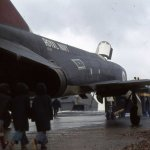 1975_09_13__phantom_fg1_xt867_on_lighter__lee_on_solent_4_vbt